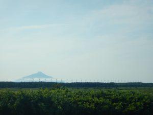 27機の風車と利尻島
