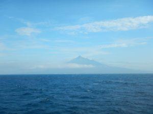 フェリーから見る利尻島