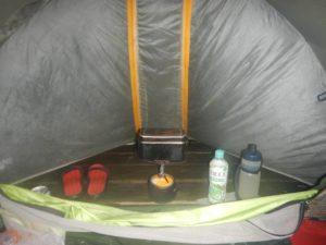 テントの前室