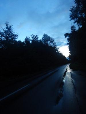 忠別湖に向かう道