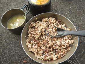 トド肉ご飯と味噌汁