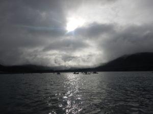 忠別湖を進む選手達